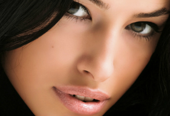 Frühlings-Make-up: Glänzend aufgelegt