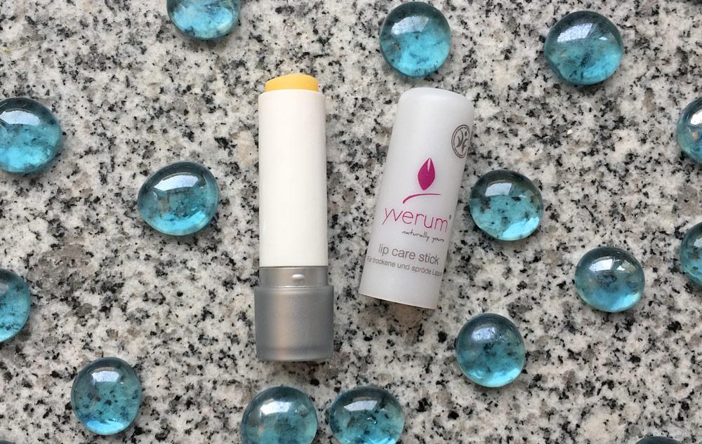 BLOG beautyroutine: Janines Lippenpflegestifte im Vergleich Bild: naturalbeauty.de