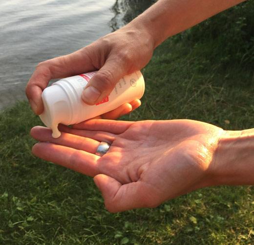 Blog: eco cosmetics Sonnenlotion no Biocide LSF 30mit Mückenschutz: Ausgefuchtelt! Bild: naturalbeauty.de