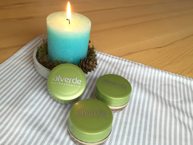 Alverde Mousse Make-up: VEGANER WAHNSINN