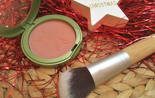 Blog: Festtagslook alverde: Farbenfroher Glow für die Feiertage! Bild: naturalbeauty.de
