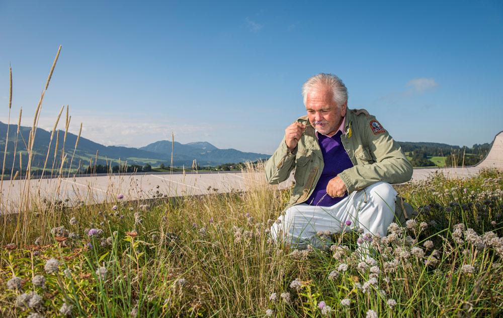Magazin: Interview mit Kurt Ludwig Nübling: Ätherische Öle Bild: Primavera