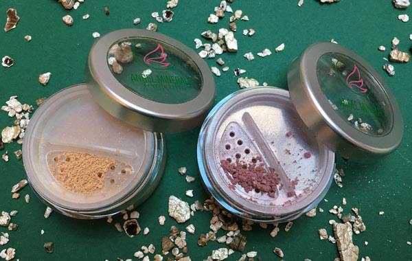 Blog: Festtagslook mit Angel Minerals: Wild Christmas Bild: naturalbeauty.de