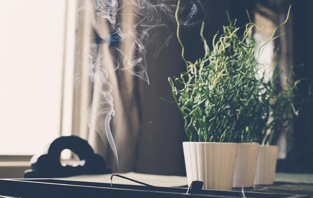 Räucherwerk, Duftkerzen und Raumsprays: Es liegt was in der Luft