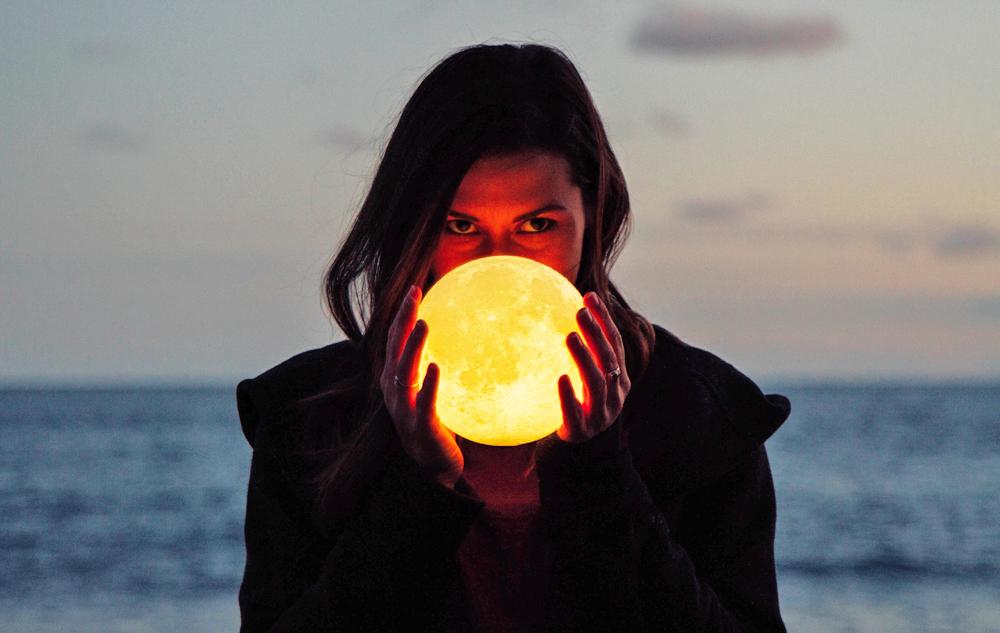 Cosmic Beauty: Schönheitsmythen rund um den Mond
