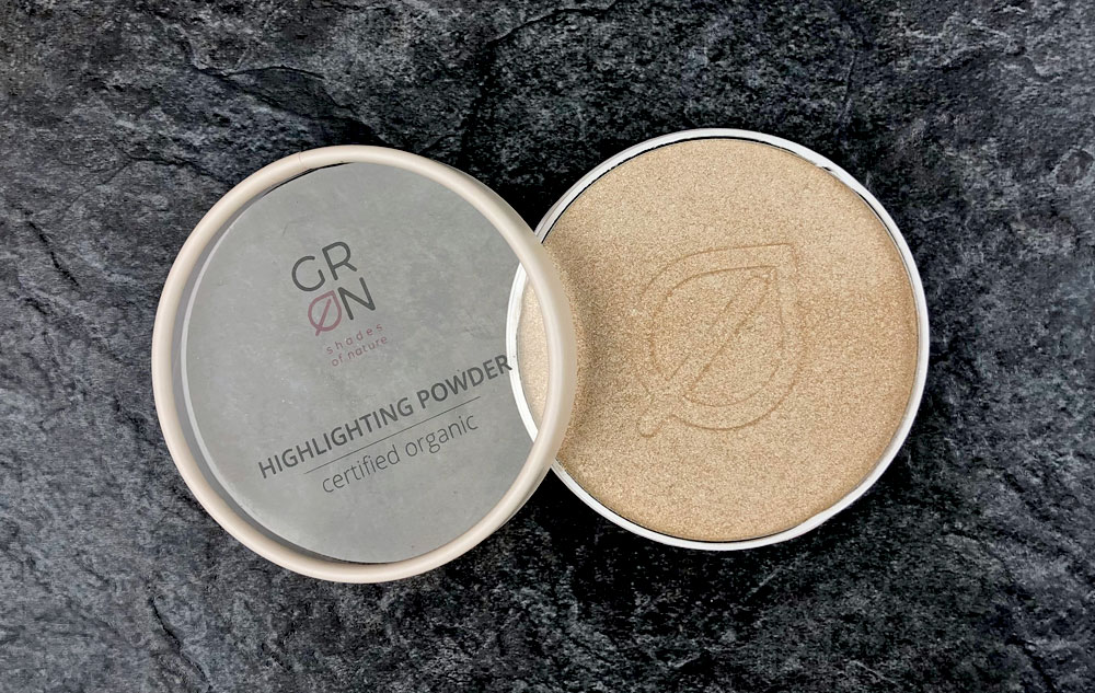 WE LOVE GRN Highlighting Powder
